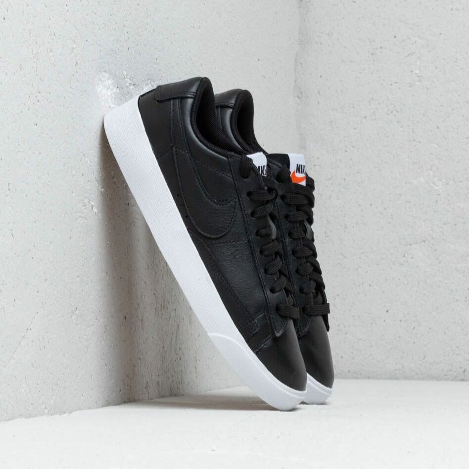 Nike W Blazer Low Le Black/ Black-White-Gum Light Brown EUR 38.5
