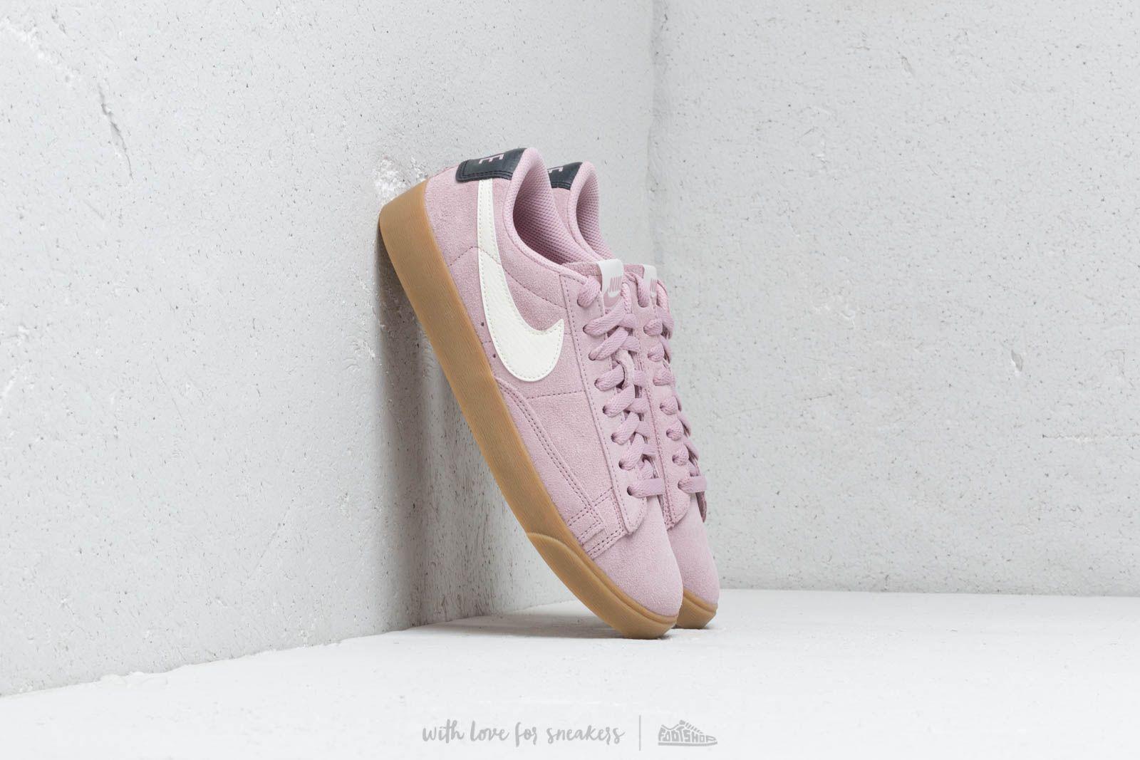 Nike W Blazer Low Sd Plum Chalk/ Sail-Oil Grey-Gum Light Brown at a great price 172 лв купете в Footshop
