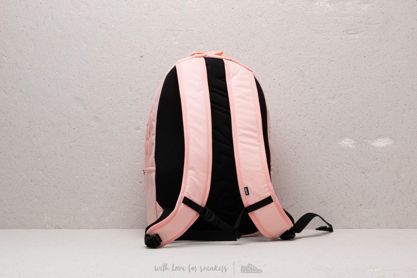 4be7006e40 Nike SB Icon Backpack Bubblegum  Black za skvelú cenu 40 € kúpite na  Footshop.