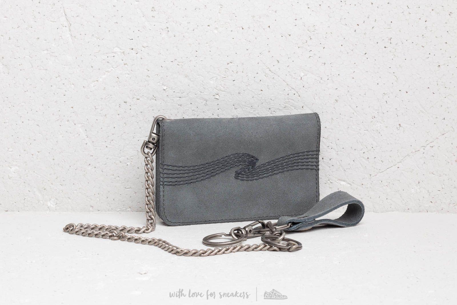 Nudie Jeans Alfredsson Suede Wallet Grey za skvelú cenu 143 € kúpite na Footshop.sk