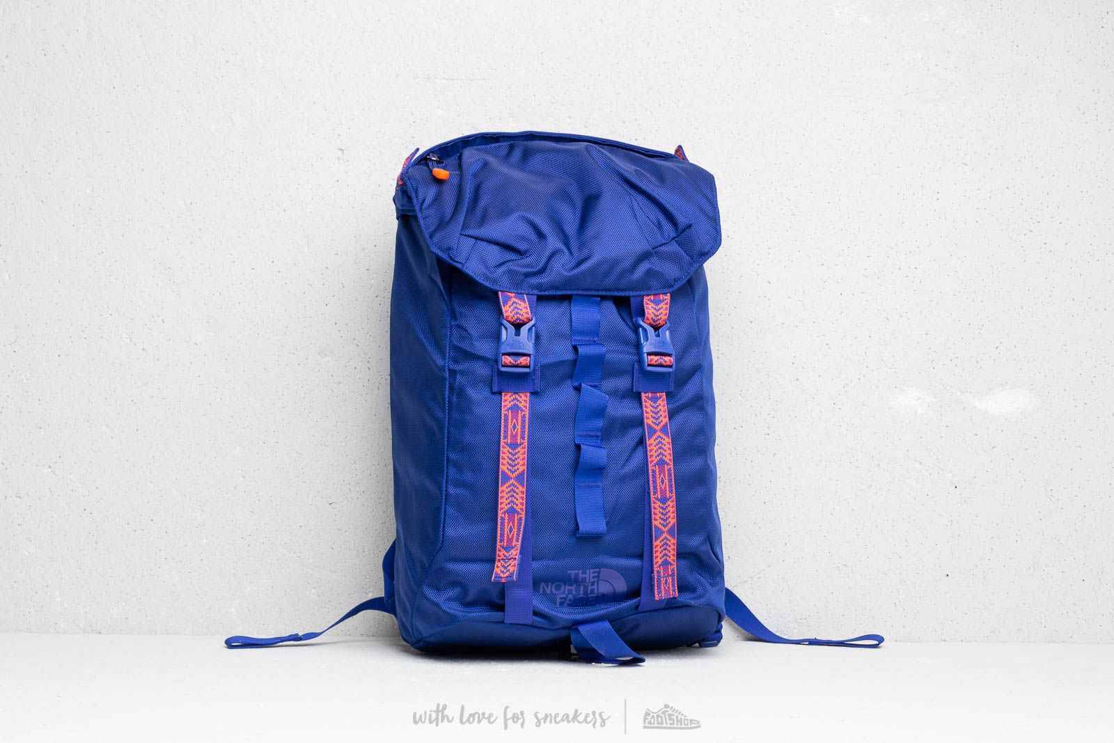 The North Face Lineage 23L Backpack