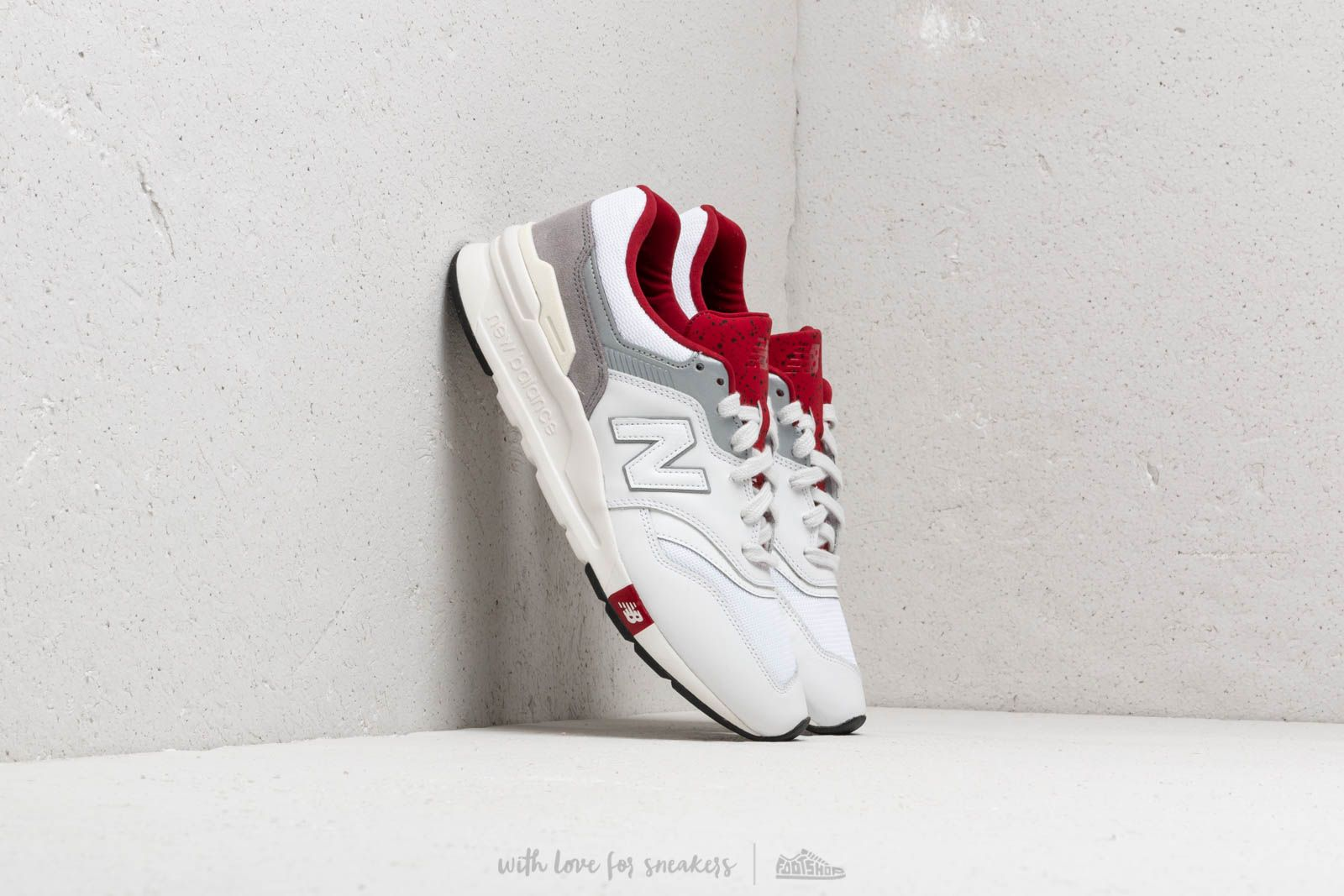 New Balance 997H White/ Red at a great price 92 € buy at Footshop