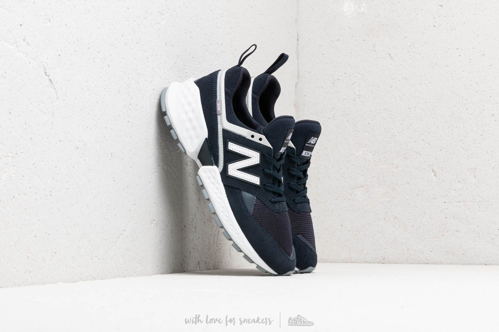 New Balance 574 Blue/ White at a great price 92 € buy at Footshop