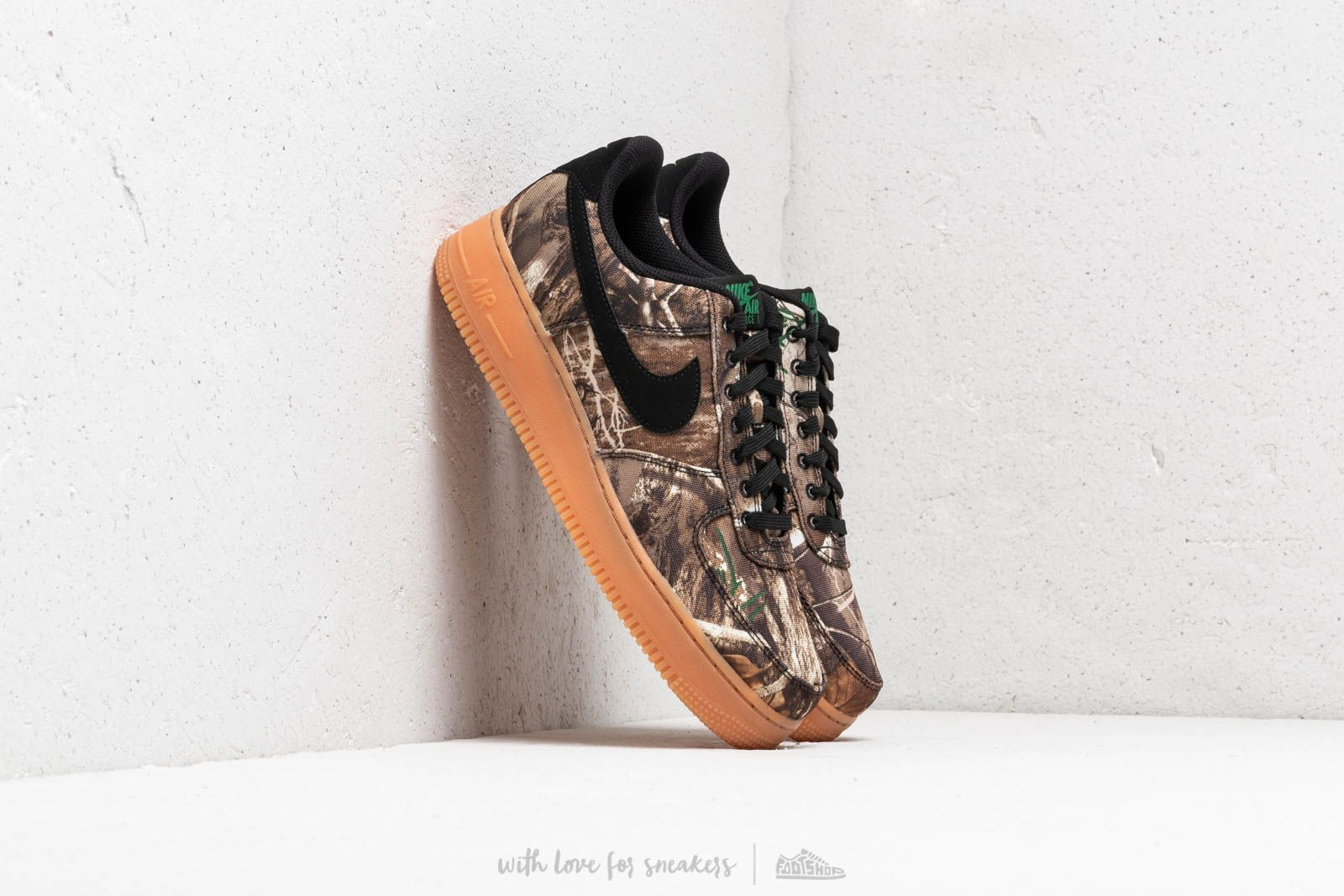 0b8acb57d238 Nike Air Force 1  07 LV8 3