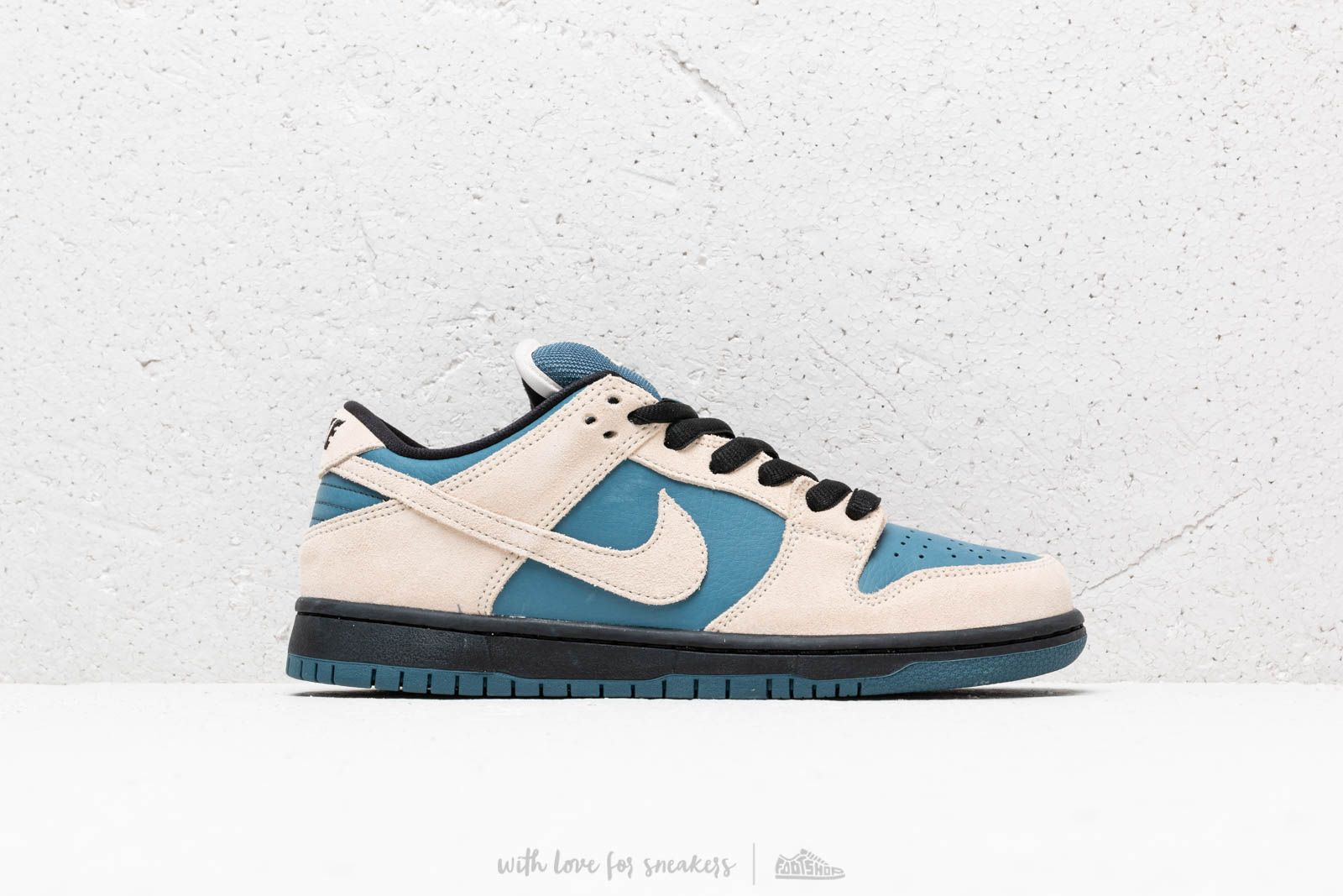 sports shoes 91755 8f42c Nike Sb Dunk Low Pro Light Cream Light Cream-Thunderstorm at a great price