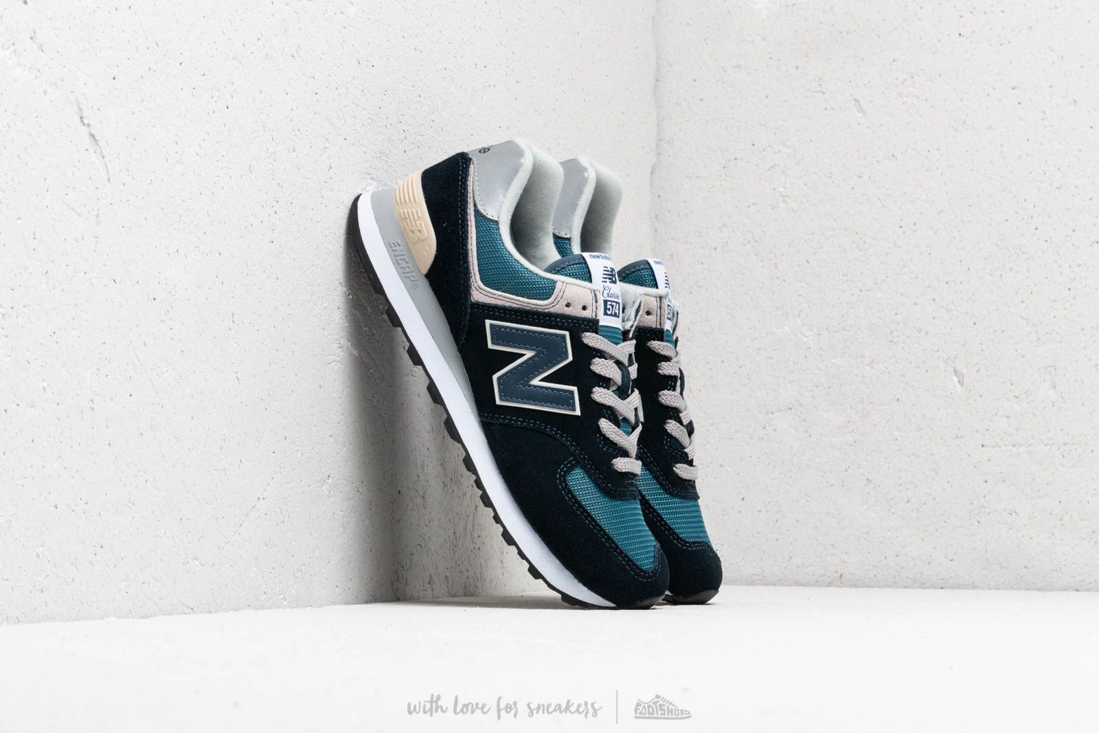 New Balance 574 Navy/ Green/ Grey at a great price 88 € buy at Footshop