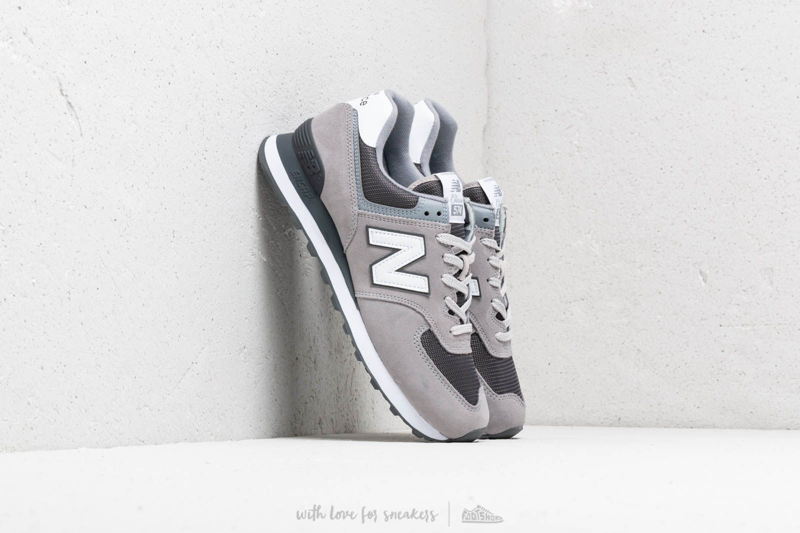 New Balance 574 Grey/ White at a great price 88 € buy at Footshop
