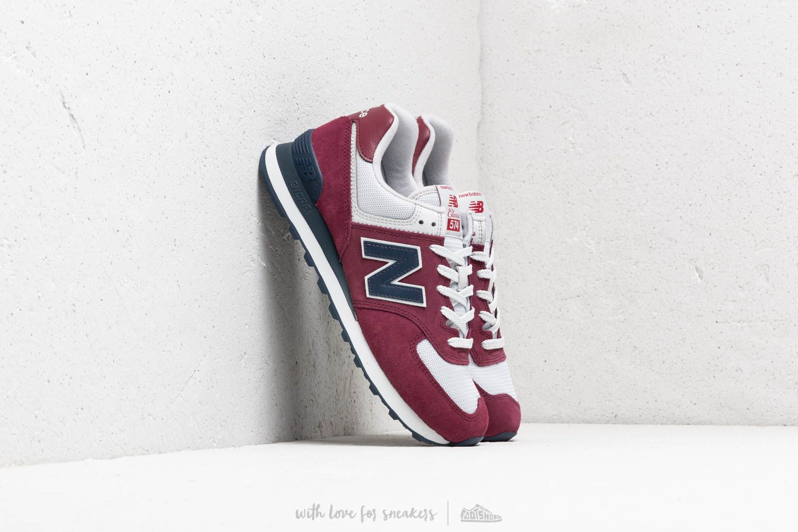 New Balance 574 Burgundy/ Navy/ White at a great price 88 € buy at Footshop