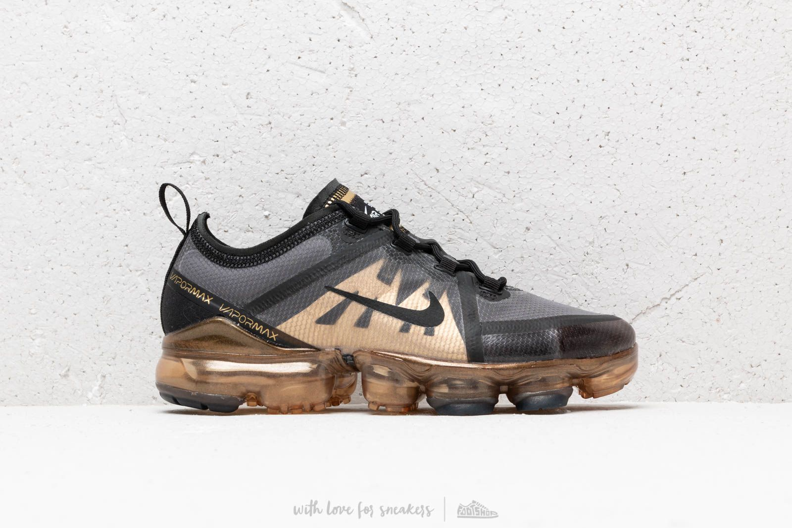 3aab7e1b2b3d Nike Air Vapormax 2019 (GS) Black  Black-Metallic Gold at a great