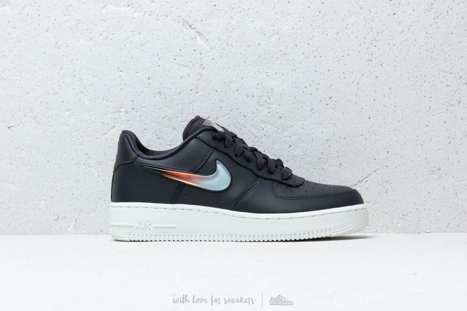 Nike Air Force 1 '07 SE Premium Oil GreyBright Crimson For Sale