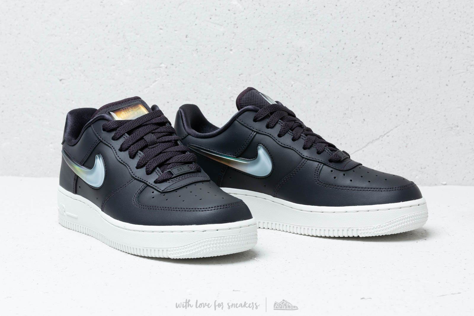 Nike W Air Force 1 '07 Se Prm Oil Grey Bright Crimson Obsidian Mist | Footshop