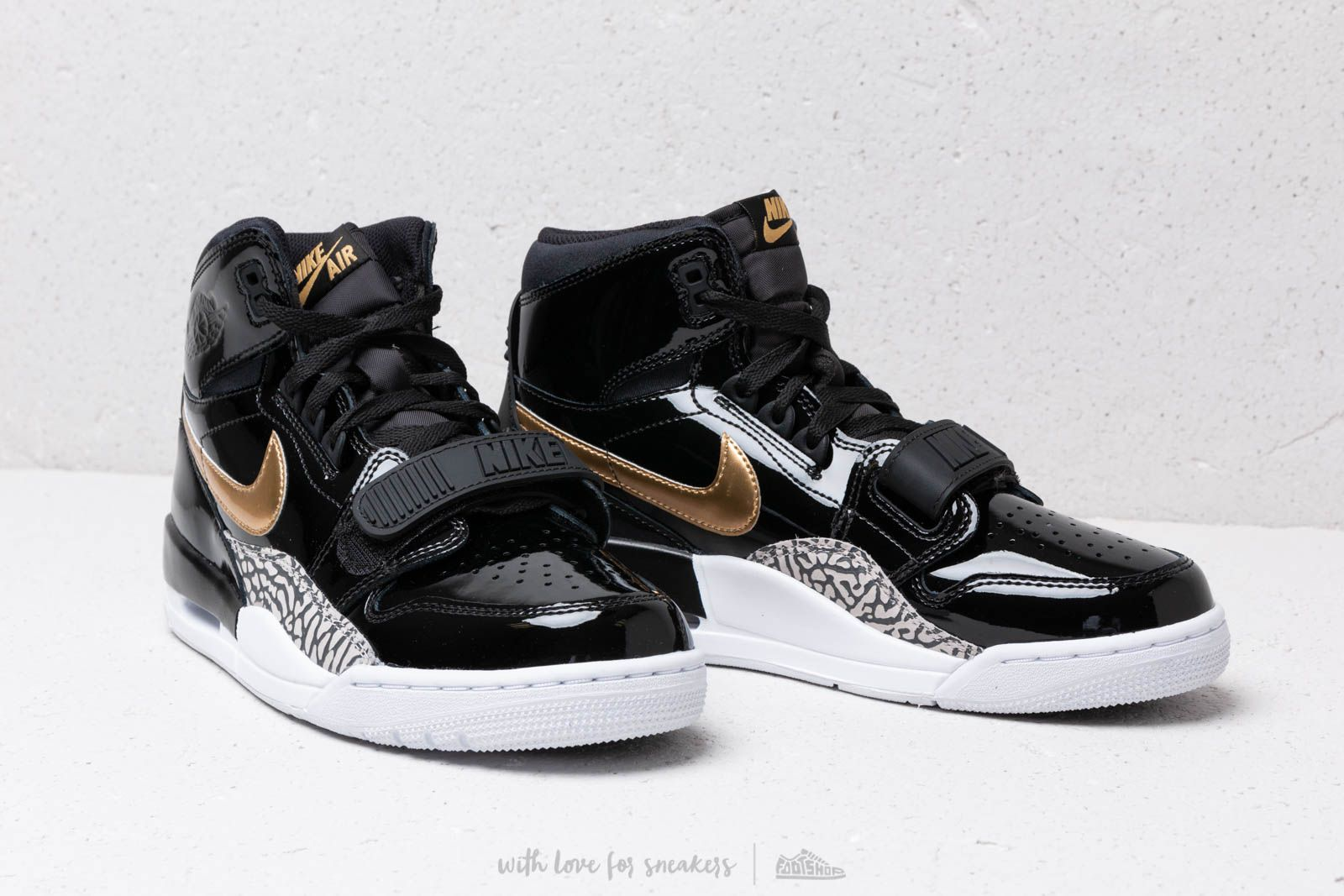 the best attitude ae71d 42a51 Air Jordan Legacy 312 Black Metallic Gold White at a great price £121
