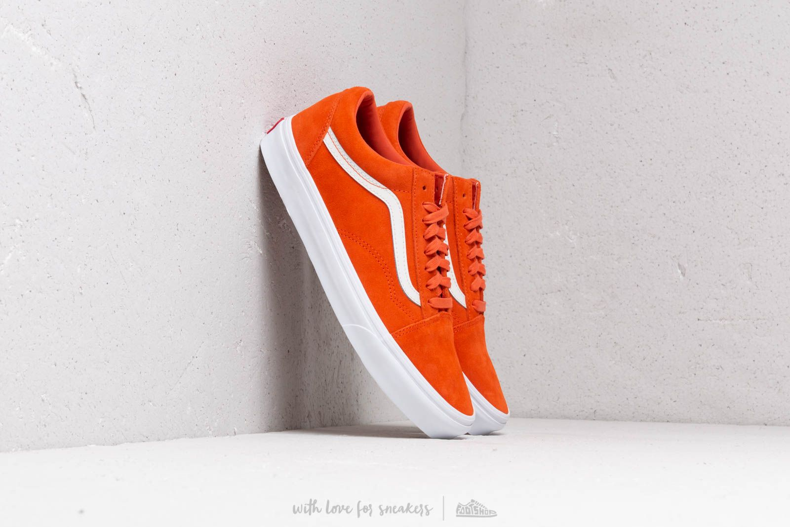 1fb20ac4e34 Vans Old Skool (Soft Suede) Koi  True White at a great price £