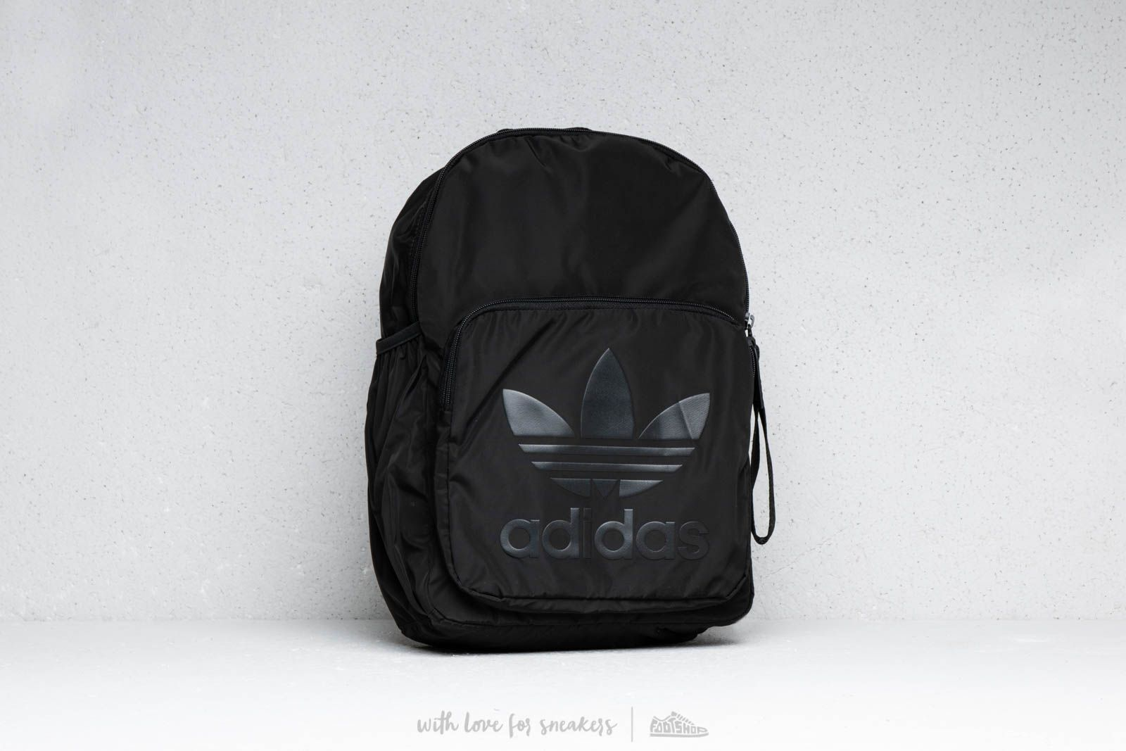 adidas Trefoil Backpack Black at a great price 33 € buy at Footshop d538a6fa445f0