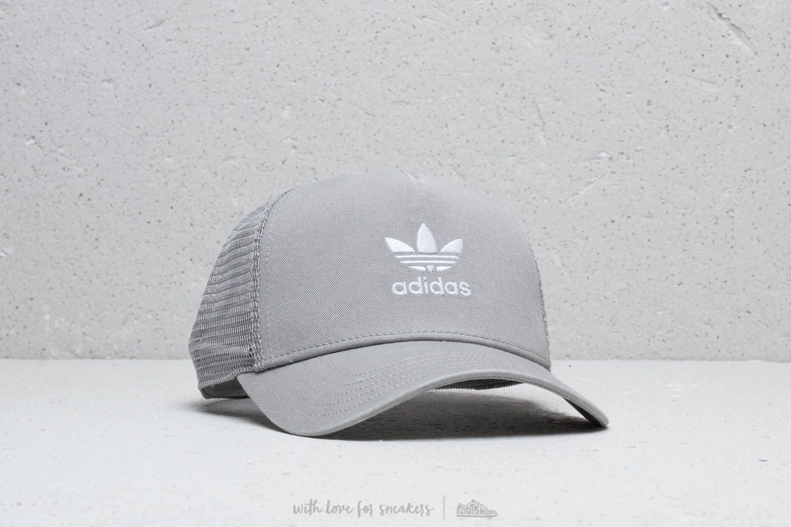2297a35fbc1 adidas Trefoil Trucker Cap Mgsogr  White at a great price 18 € buy at  Footshop