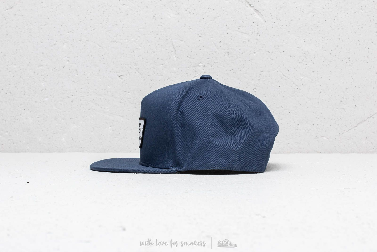 b8b2c45328 Vans Full Patch Snapback Dress Blues at a great price 26 € buy at Footshop