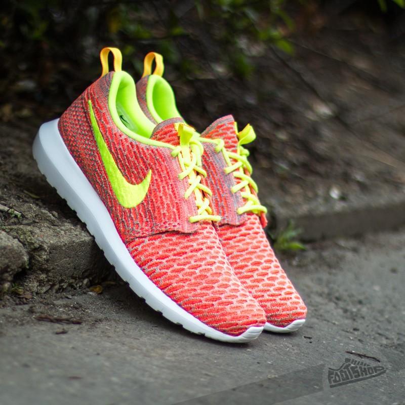 485acf04a447 Nike Flyknit Rosherun Hot Lava Volt-Tm Orange Vapor Green
