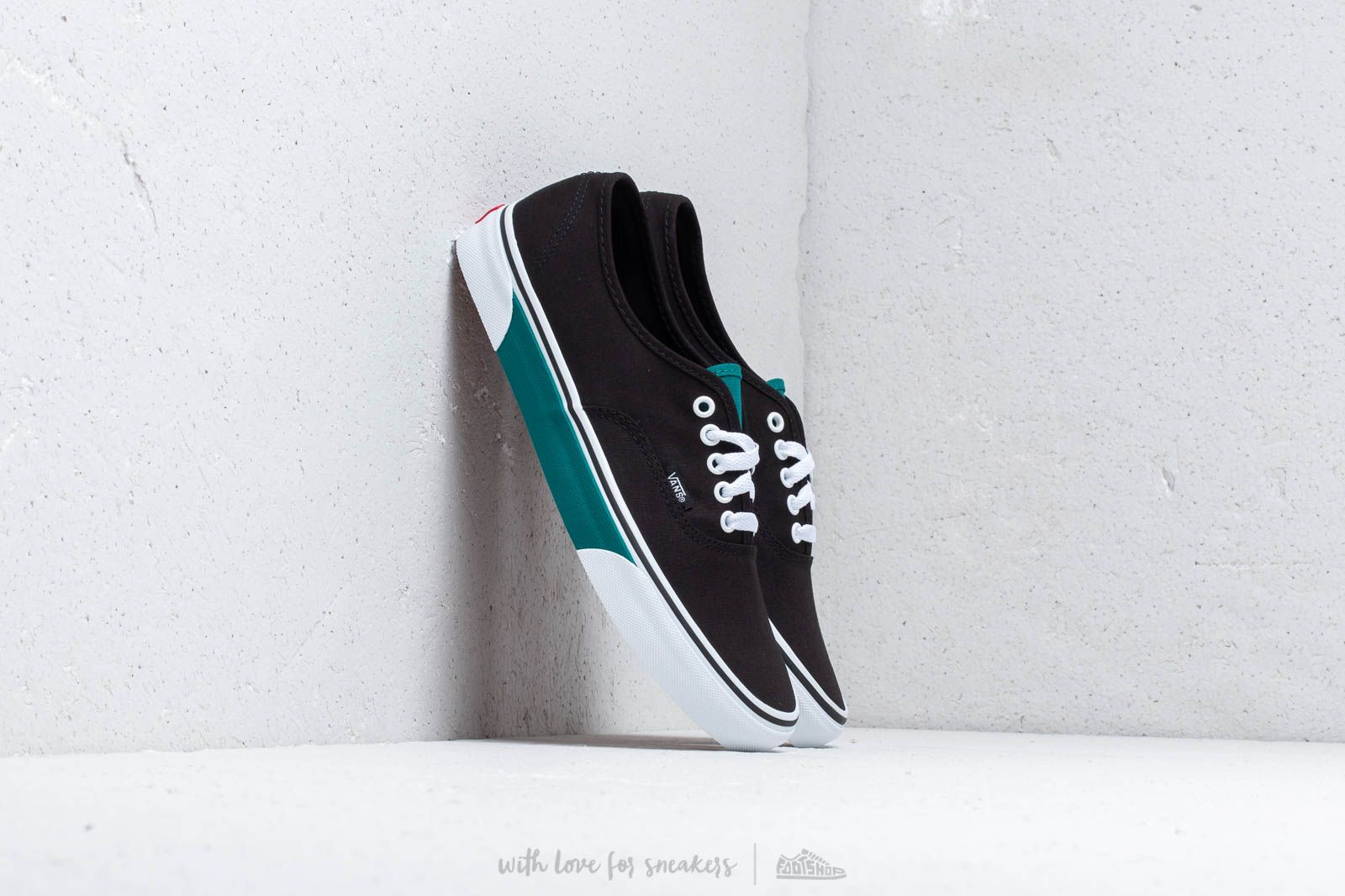 0f2dae4bfe Vans Authentic (Color Block) Black  Quetz at a great price 70 € buy