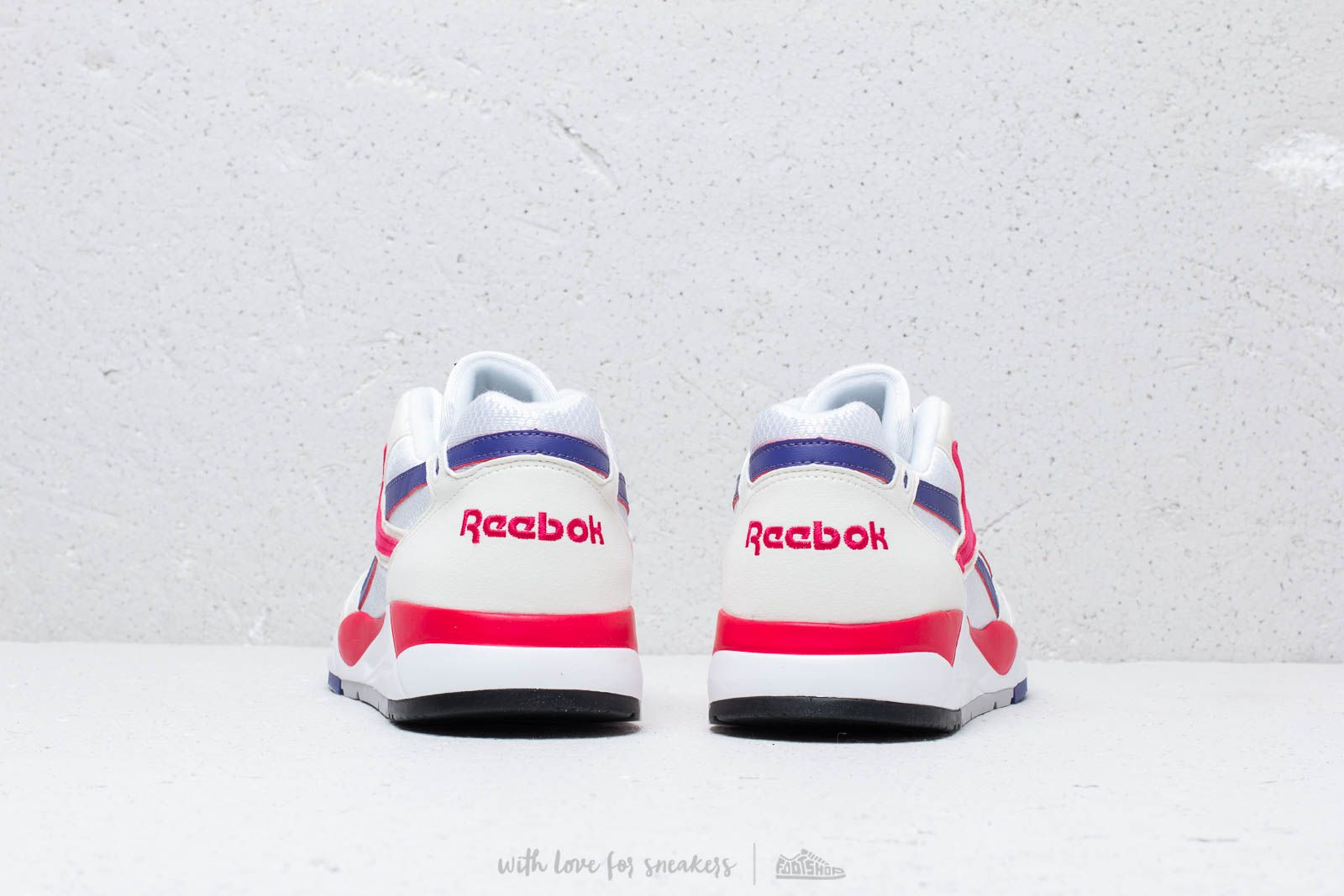 Reebok Bolton Chalk  White  Magenta Pop at a great price 92 € buy at b3a9048c4