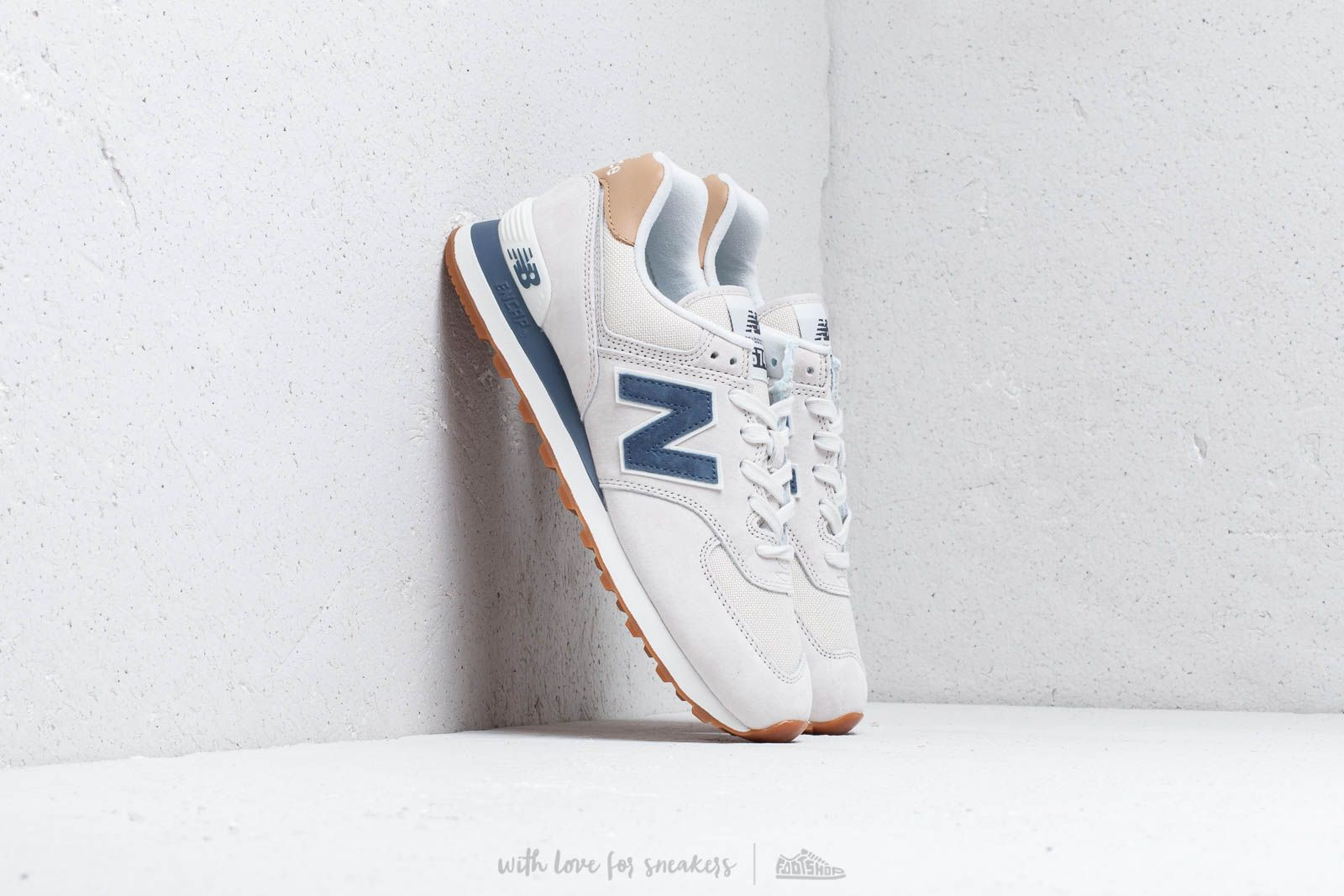 New Balance 574 Grey/ Blue/ White at a great price 92 € buy at Footshop