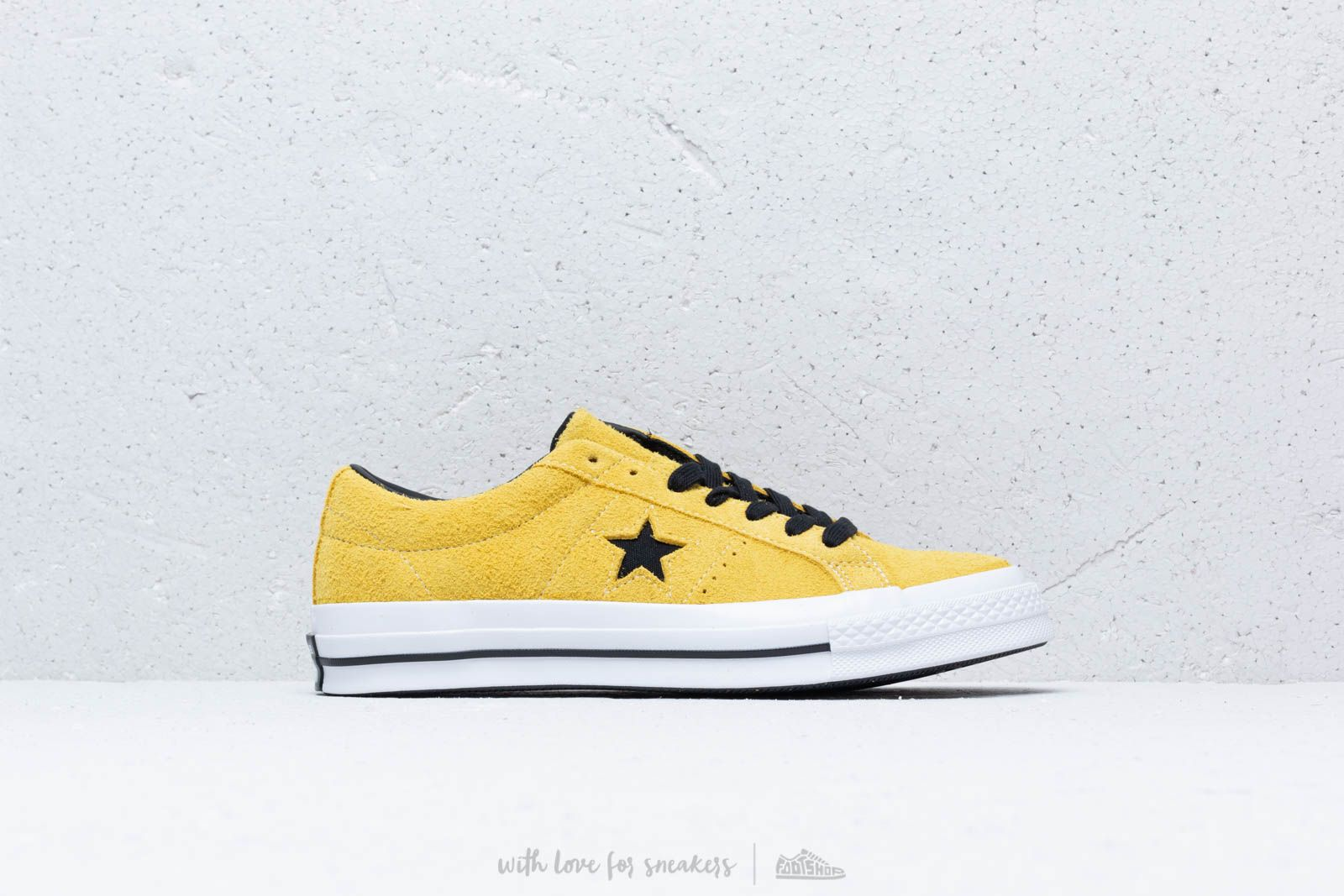 Converse One Star OX Bold Citron  Black  White at a great price £76 b776094176e