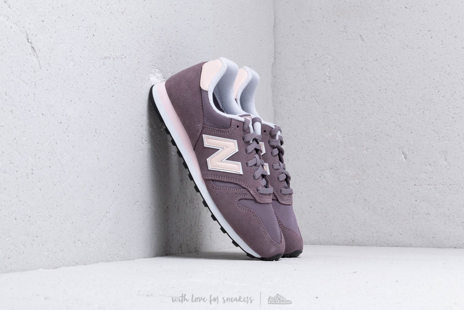 New Balance 373 Pink/ White at a great price 77 € buy at Footshop