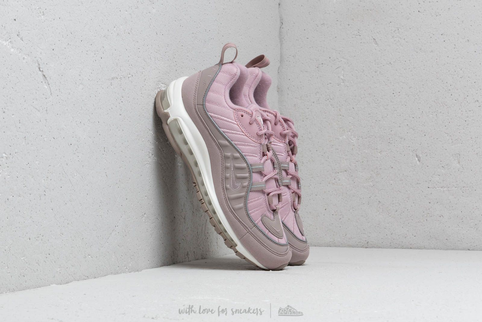 Chaussures et baskets homme Nike Air Max 98 Pumice/ Pumice-Plum Chalk-Summit White
