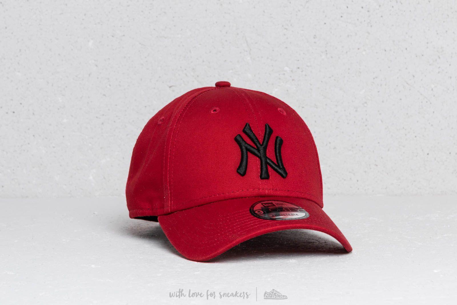 ddda62f7dd0 New Era 9Forty MLB League Essential New York Yankees Hot Red  Black