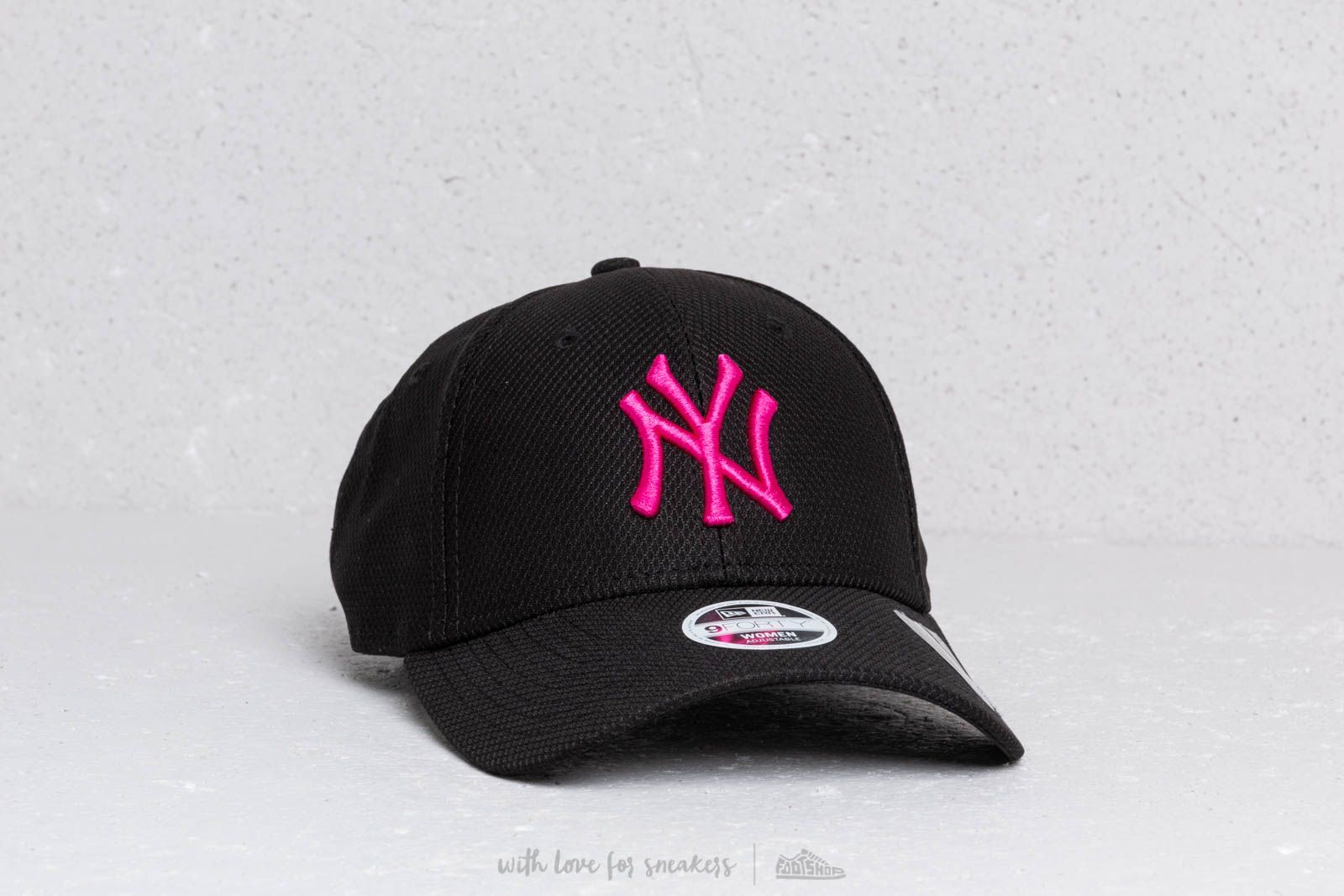 db6a497be24a2 New Era 9Forty Women MLB Diamond Era New York Yankees Black  Purple at a  great