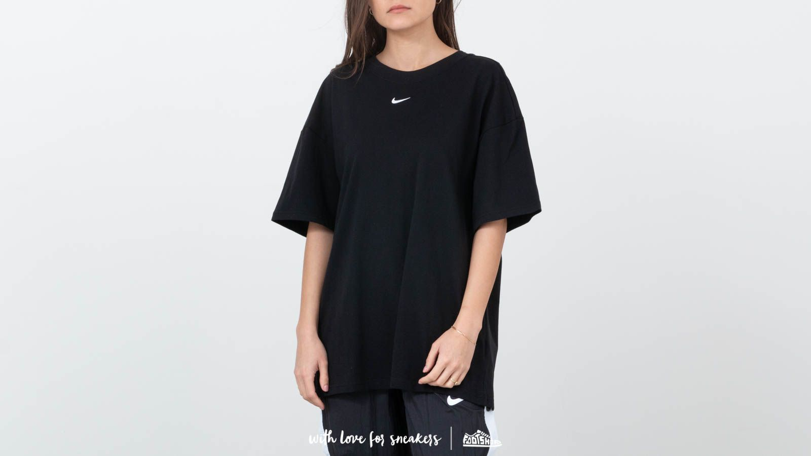 201b4f055f6eea Nike Sportswear Essential Top Black  White