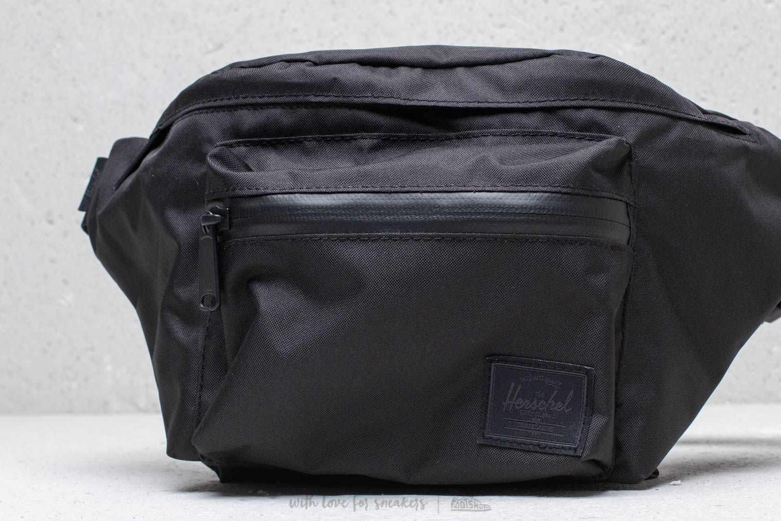 99447f22650 Herschel Supply Co. Light Seventeen Hip Pack Black at a great price  41 buy  at