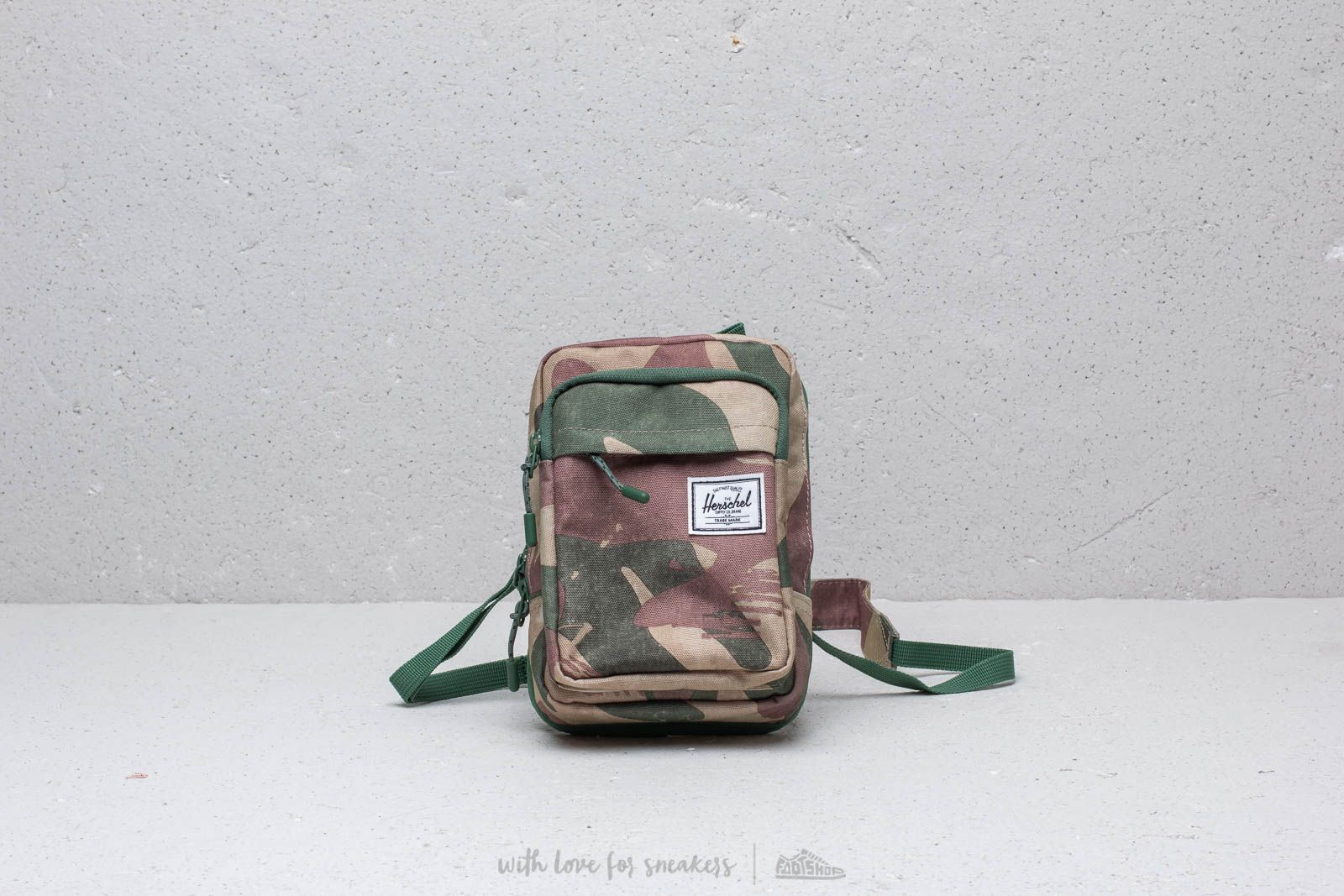 Herschel Supply Co. Form Crossbody Large Pack
