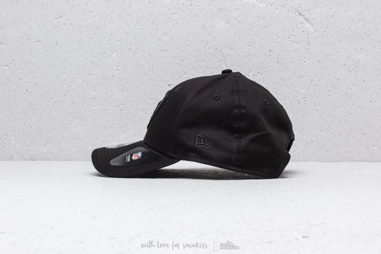 3956e7b2cca New Era 9Forty NFL Oakland Raiders Cap Black at a great price  31 buy at  Footshop