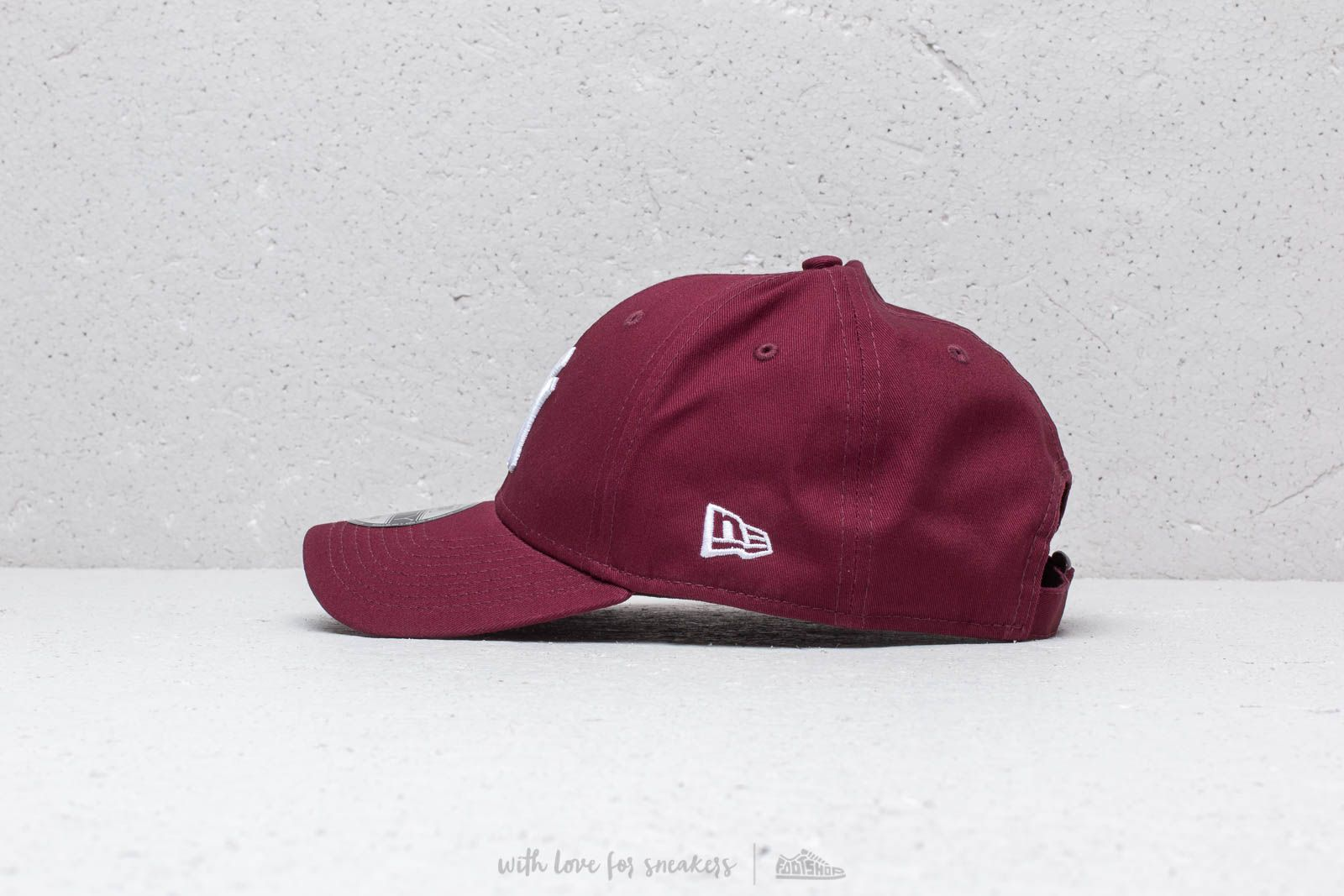 8ec5a4603d6 New Era 9Forty League Essential New York Yankees Cap Maroon at a great  price £18