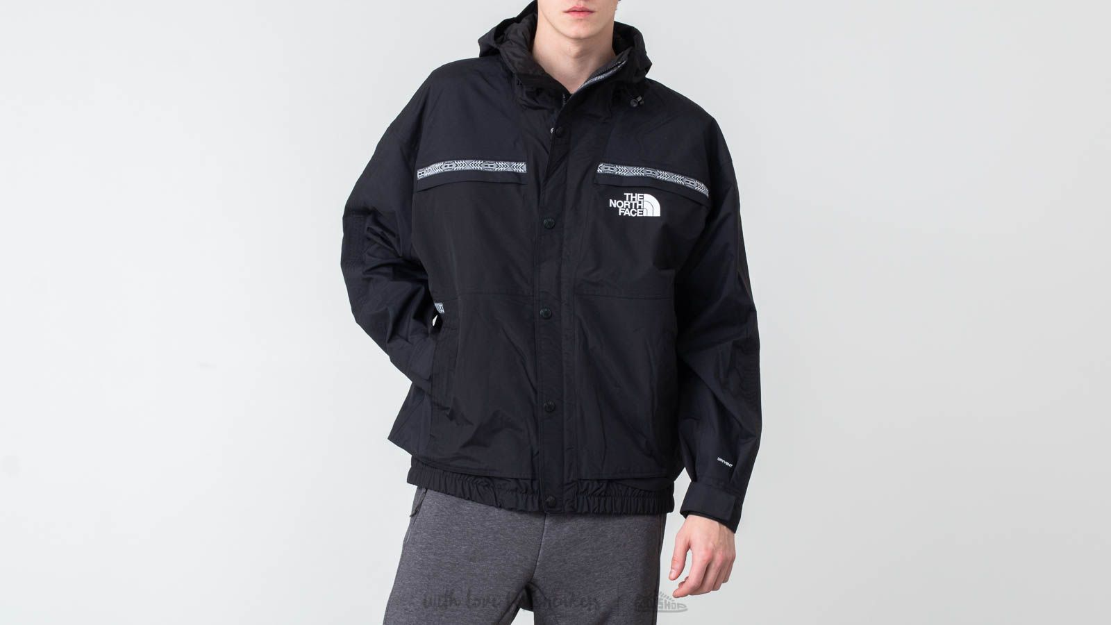 The North Face '92 Rto Rage Rain Jacket Black za skvelú cenu 253 € kúpite na Footshop.sk
