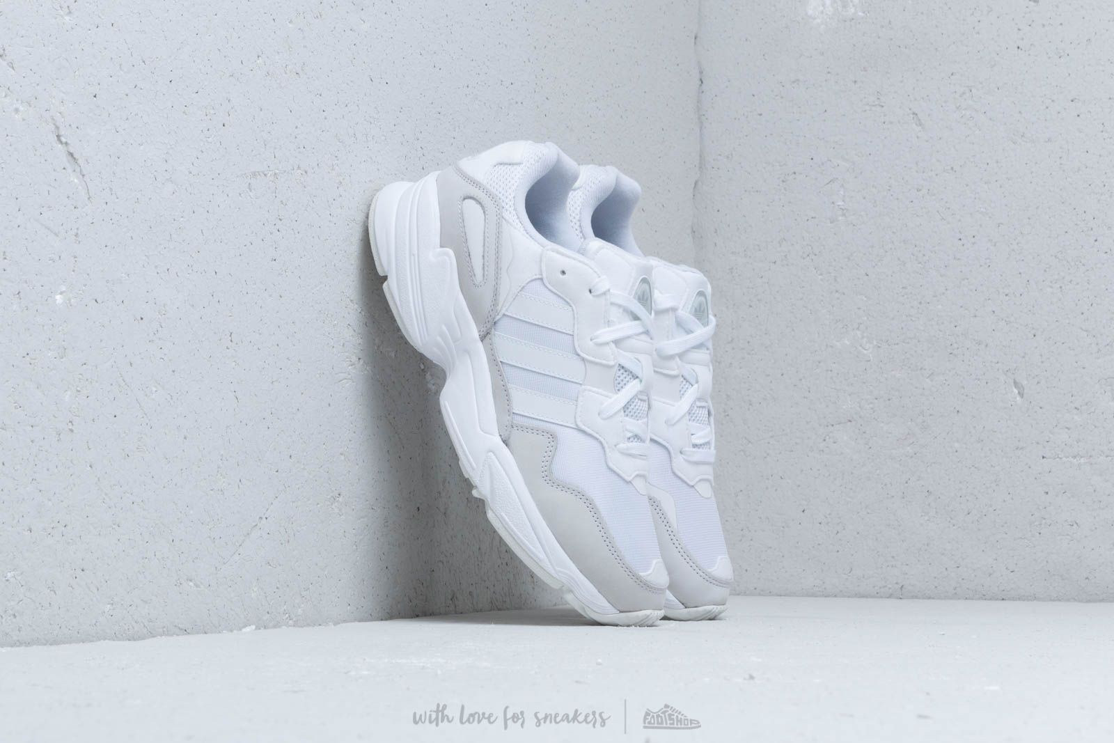 adidas Yung-96 Ftw White/ Ftw White/ Grey Two za skvelú cenu 92 € kúpite na Footshop.sk