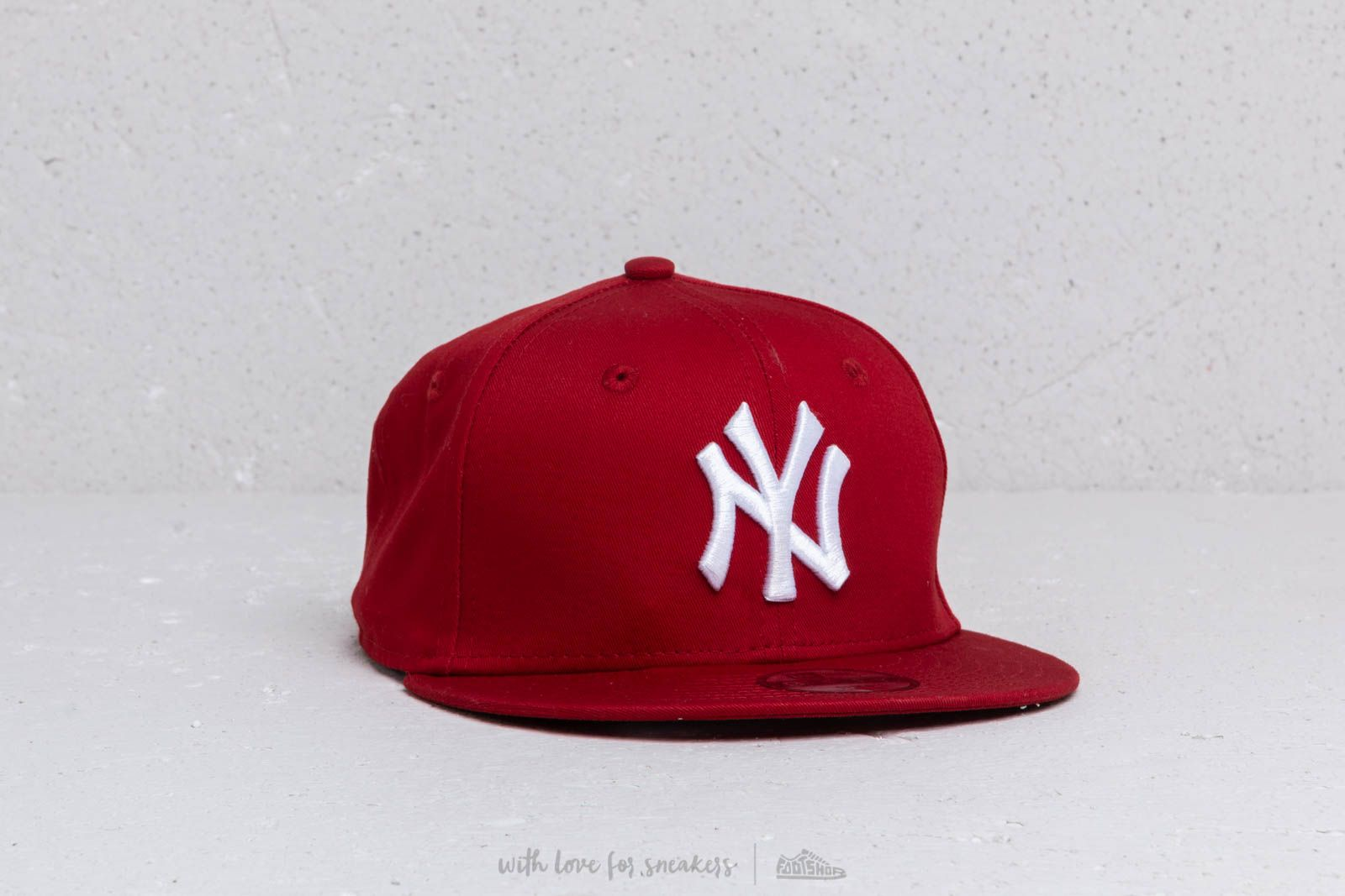 83b8867b4d4 New Era Kids 9Fifty MLB Essential New York Yankees Cap Red  White at a great