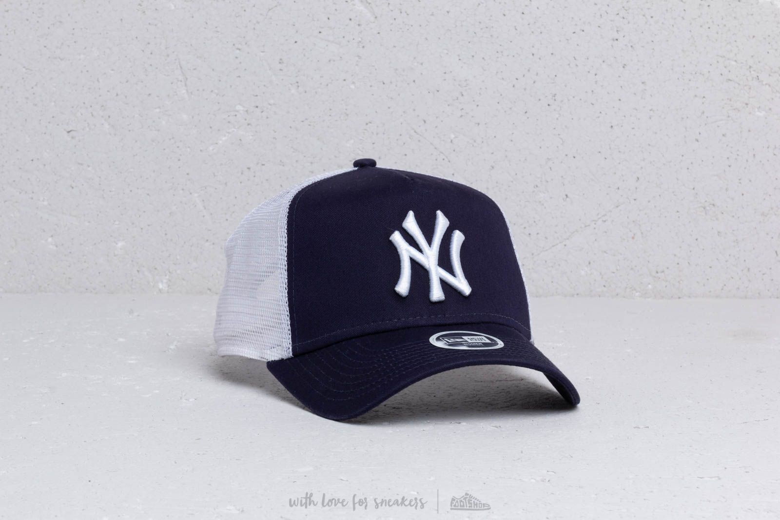 7b70185bb7e New Era A Frame MLB Essential New York Yankees Trucker Cap Navy  White at a