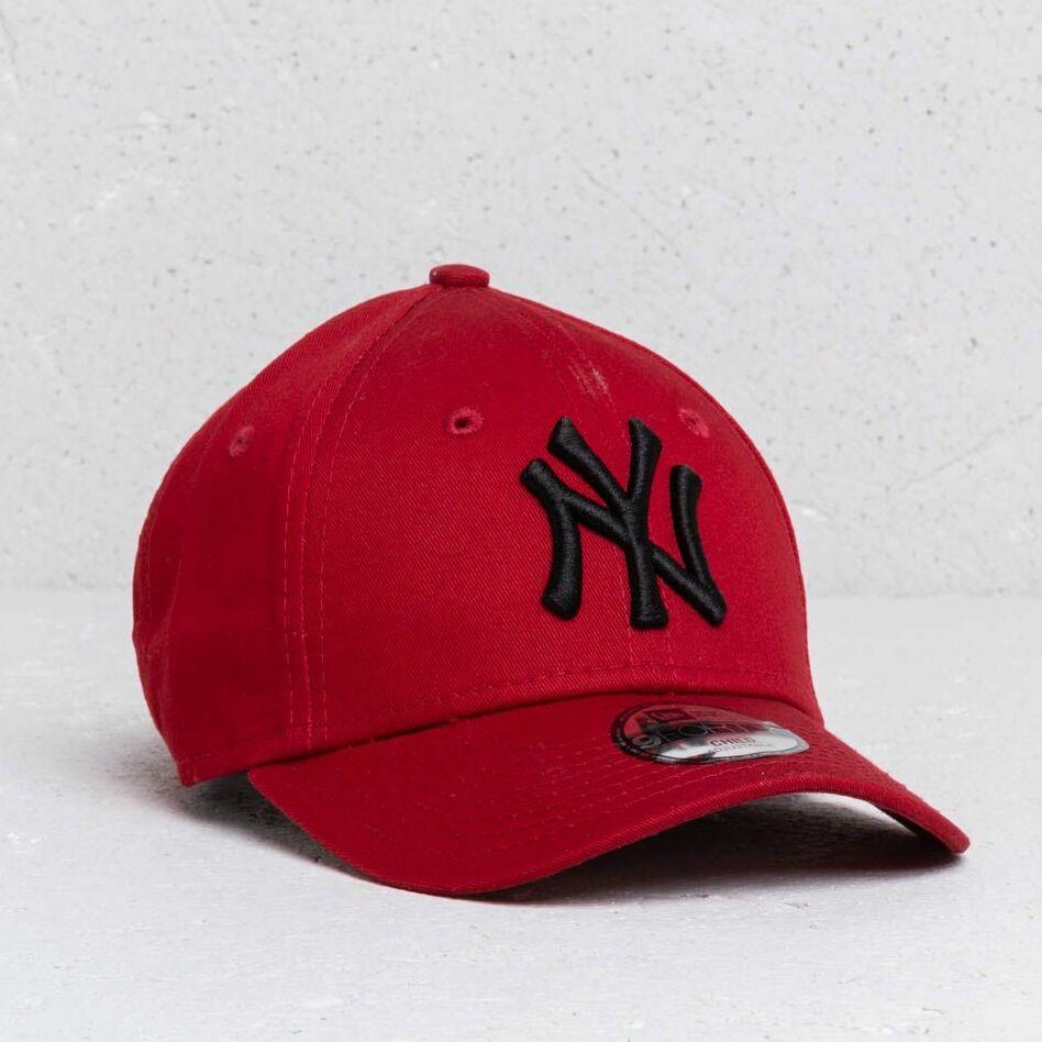 New Era Kids 9Forty MLB Essential New York Yankees Cap Red/ Black