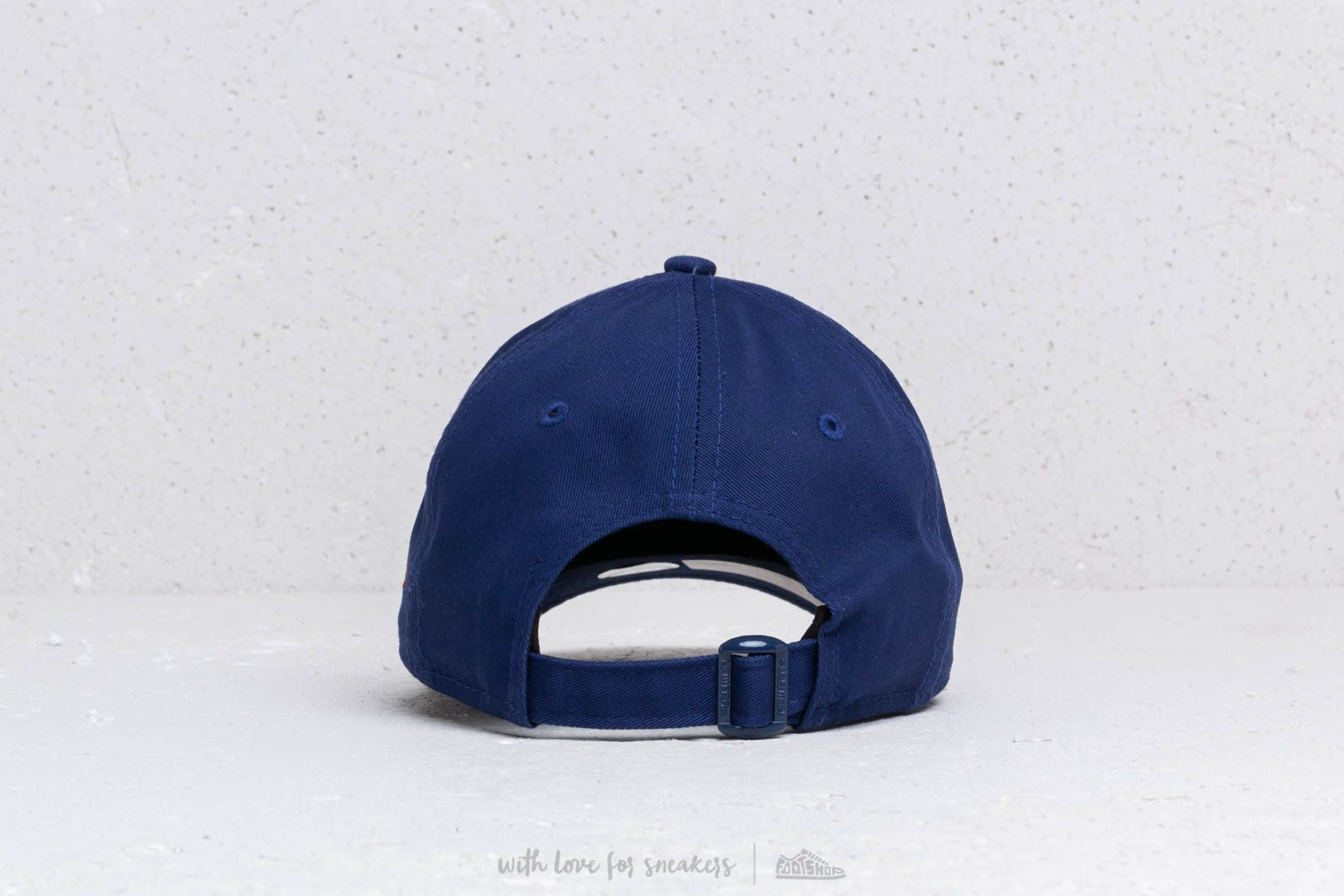 a69ec86d814 New Era Kids 9Forty MLB Essential Los Angeles Dodgers Cap Navy  Red at a  great