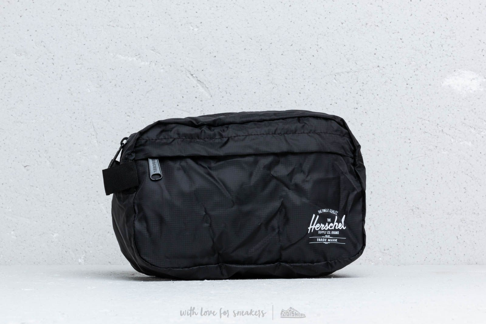 dcc23a2bd651 Herschel Supply Co. Toiletry Bag Black at a great price 29 € buy at Footshop