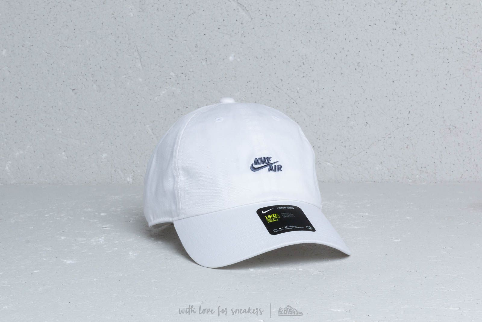 2ceb3e8dbe9 Nike Air Heritage 86 Cap White at a great price 24 € buy at Footshop