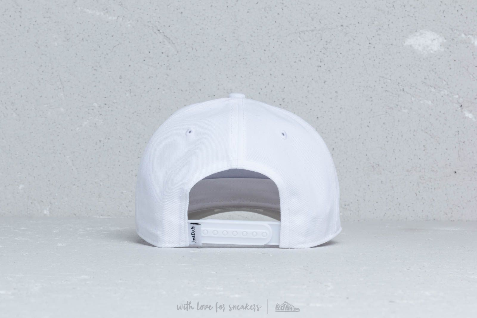 d5768d18f0d Nike Sportswear Classic 99 Futura Hat White at a great price 26 € buy at  Footshop