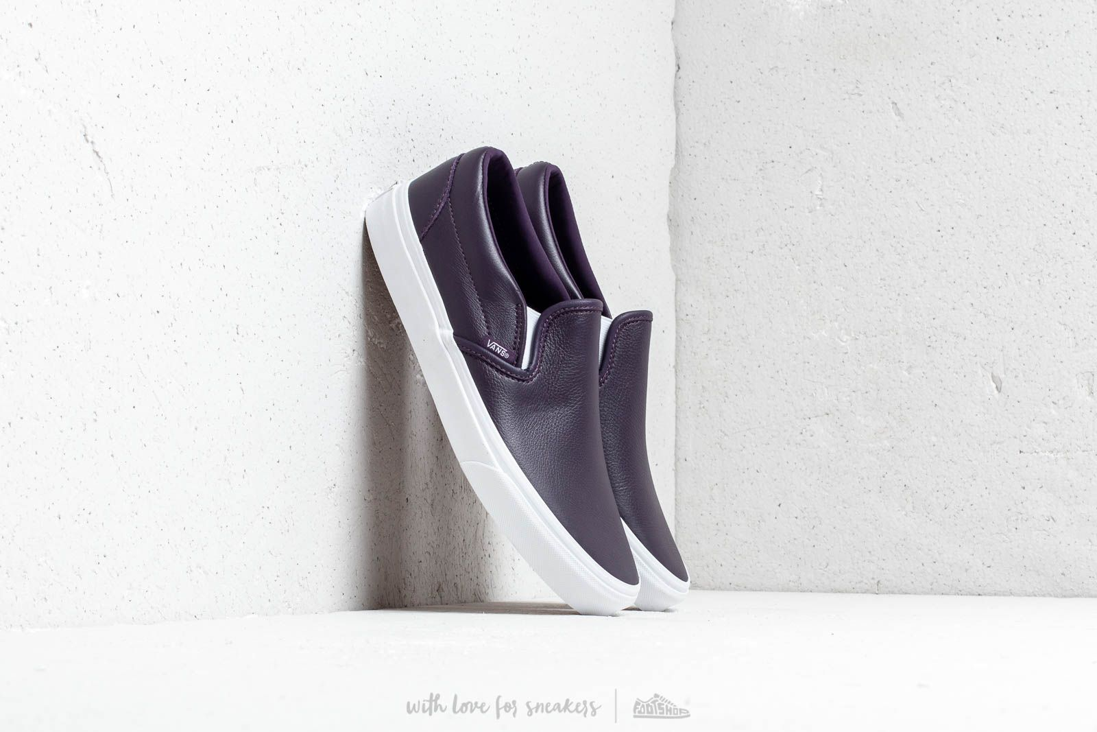 Vans Classic Slip-On (Leather) Mysterioso/ True at a great price 66 € buy at Footshop