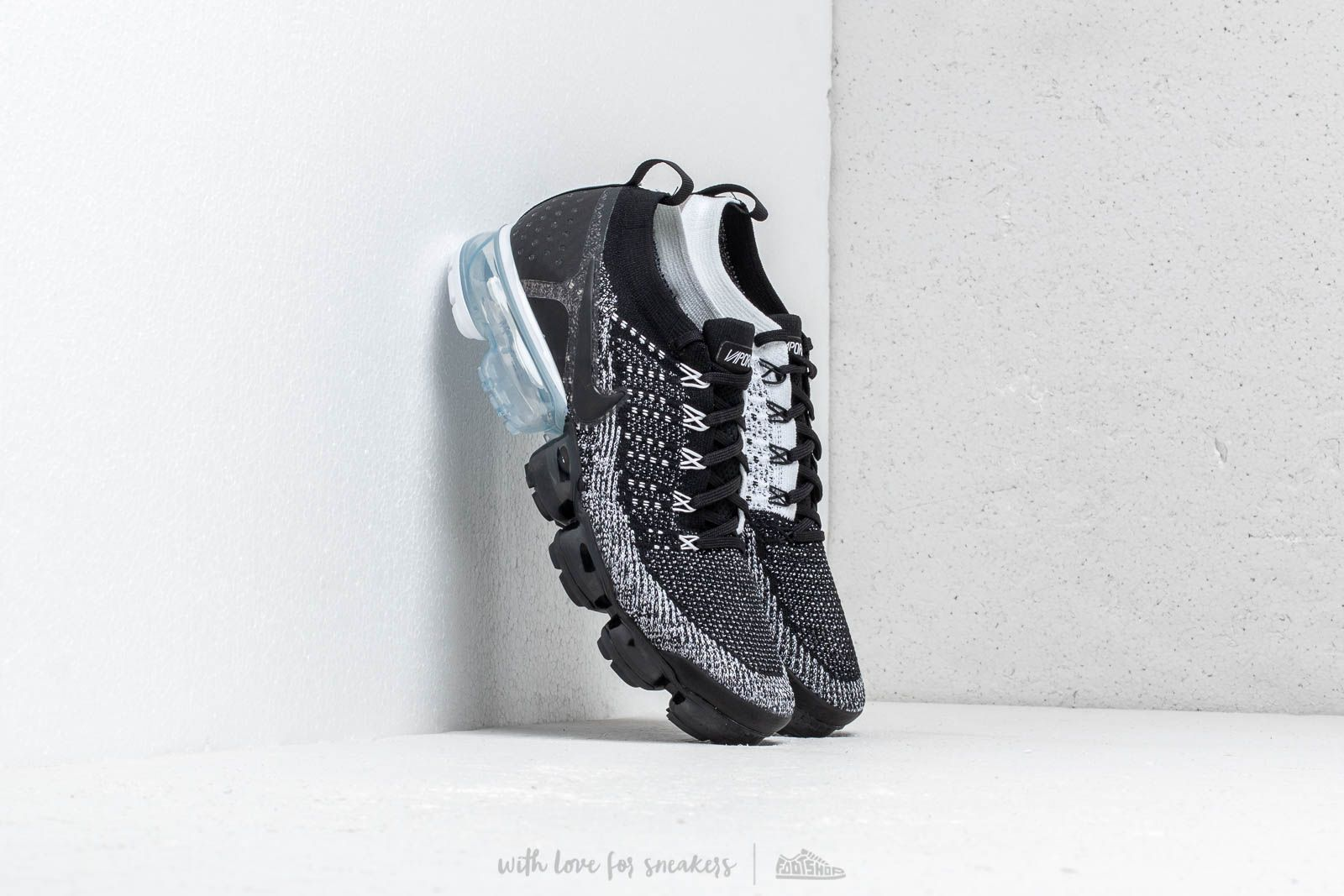 sports shoes 57315 5ca04 Nike Air Vapormax Flyknit 2 Black/ Black-White | Footshop