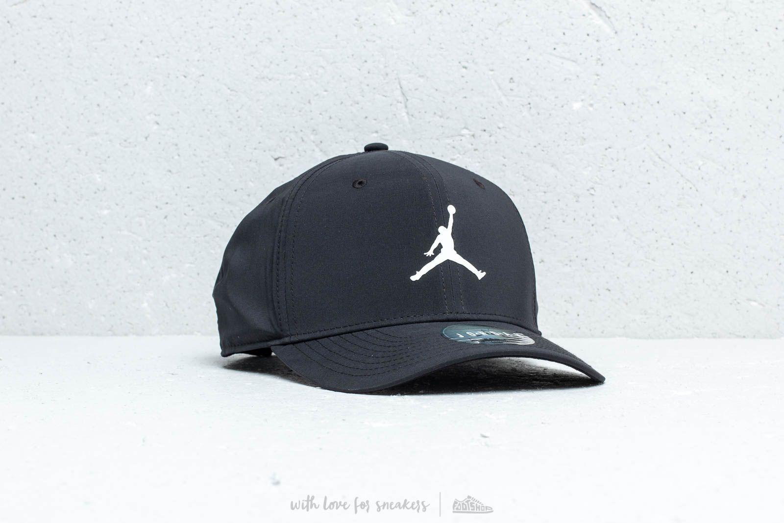 8a6ff5fe88258e Jordan Classic99 Snapback Black  White