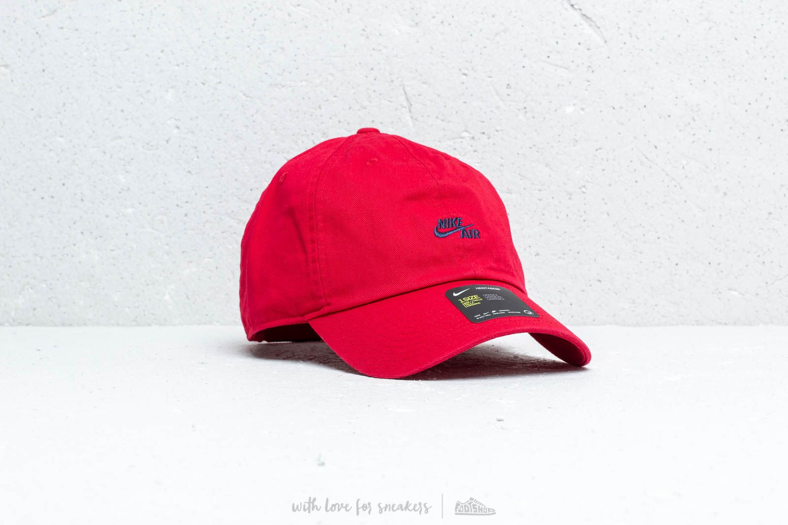 wholesale dealer 38755 43923 Nike Sportswear Heritage 86 Cap Red at a great price  28 buy at Footshop
