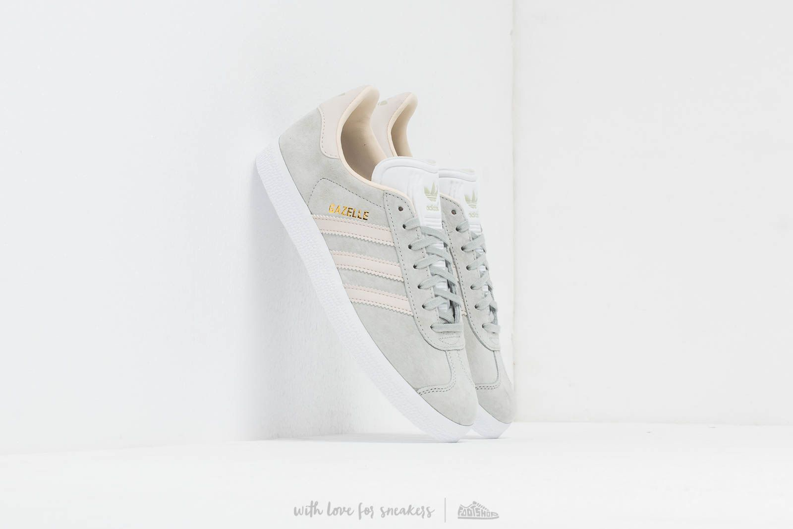 adidas Gazelle W Ashsil/ Cream Brown/ Ecrtin at a great price 87 € bestell bei Footshop