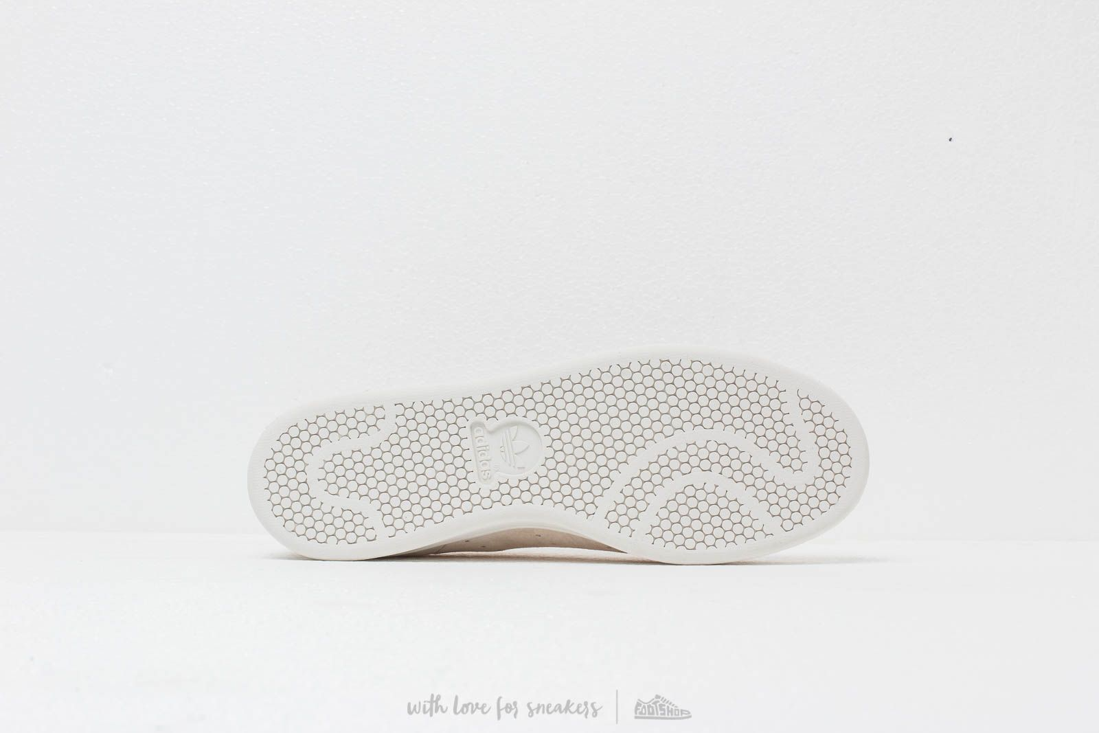 adidas Stan Smith Chalk White  Crystal White  Cburgu at a great price £80 983b670a9