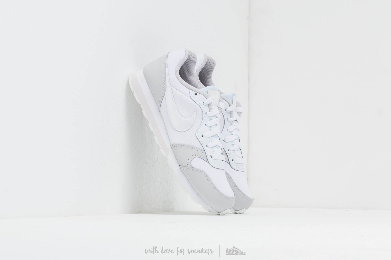 e2beeabc3 Nike Md Runner 2 (GS) White/ White-Vast Grey at a great